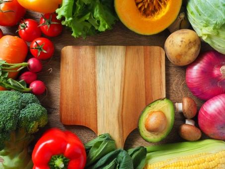 食べ過ぎ(過食)は抜け毛・薄毛の原因?食事と抜け毛の関係とは
