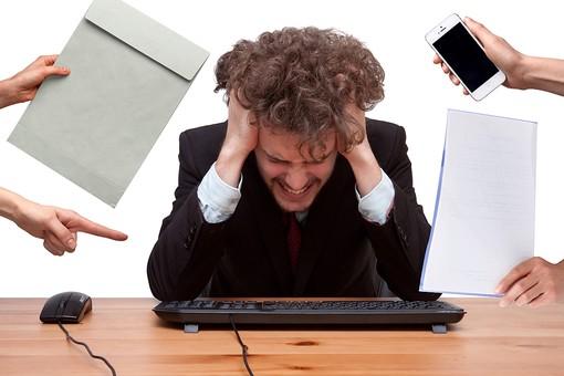 仕事の種類やストレスが抜け毛・薄毛の原因?若ハゲ予防・対策まとめ