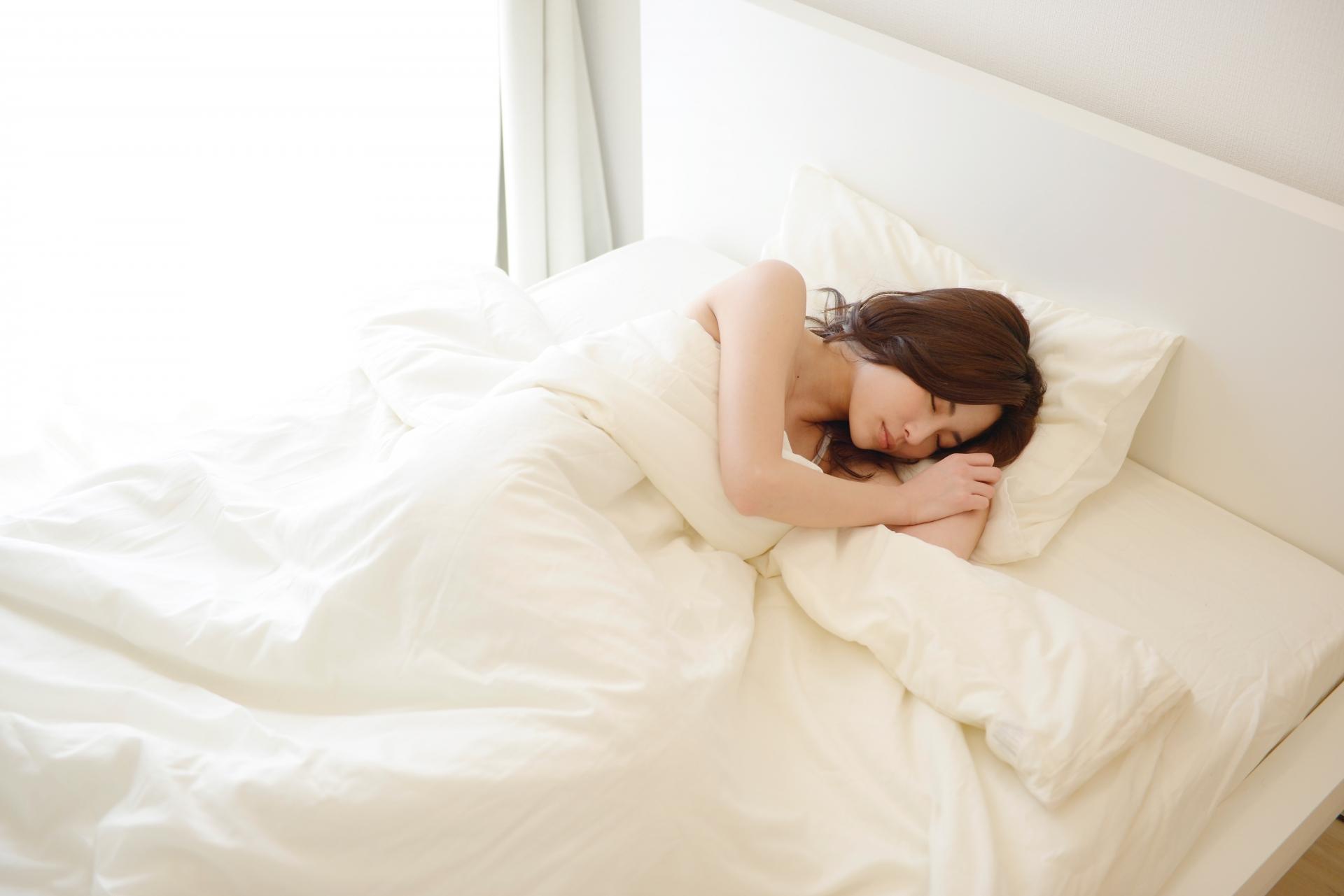 睡眠不足は眼精疲労の原因