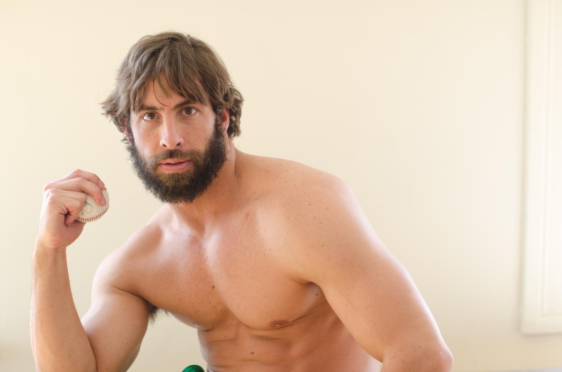 薄毛の人は性欲が強いって本当?抜け毛・ハゲとエロの関係性とは