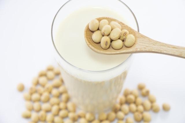 【豆乳の育毛効果】イソフラボンは薄毛・AGAに効果あり?